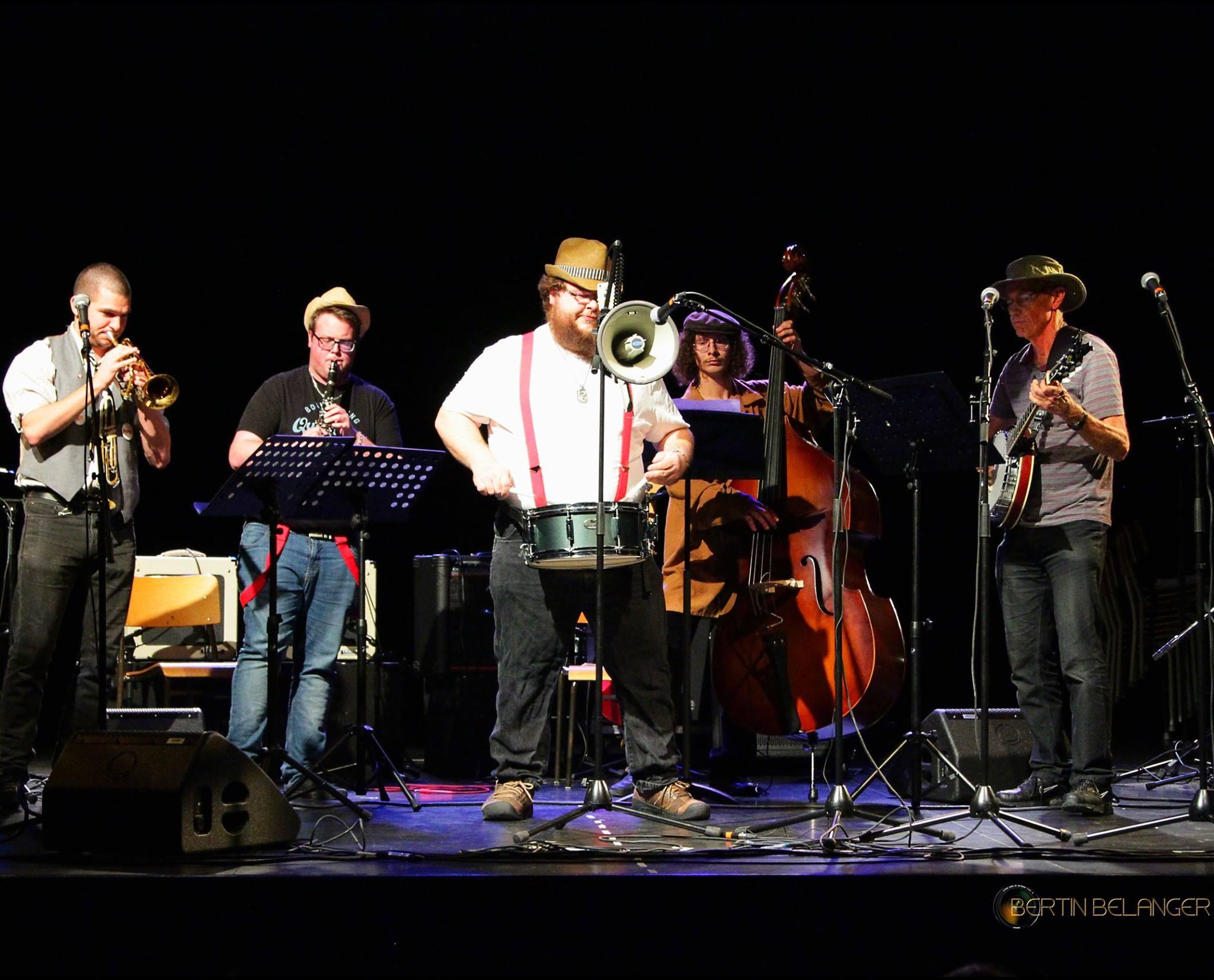 Photo Riki Dixie Bouncing Band